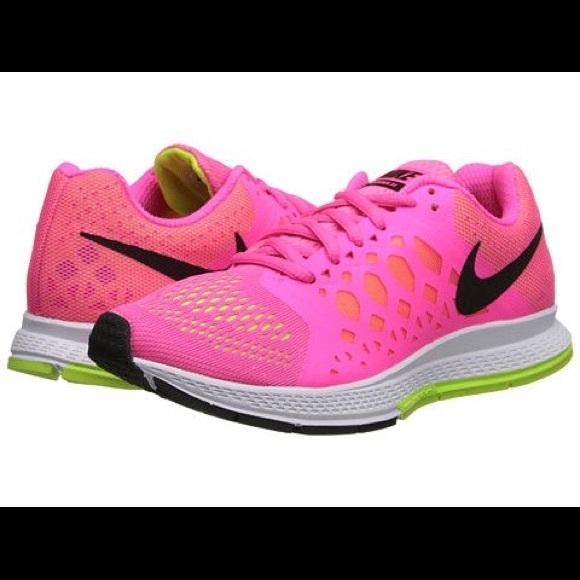 Women's Pink Nike zoom Pegasus 31